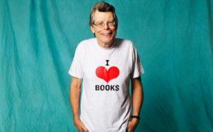 Стивен Кинг в футболке