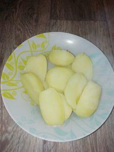Мимоза. Шаг 9. Сваренная картоха